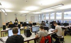 Mittelschule-Computerraum.jpg